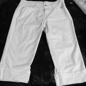 Levi Cropped Capri 515 Jeans